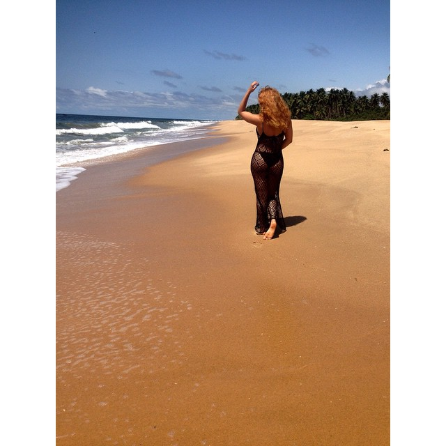 sarah-ofili-birthday-beach-party