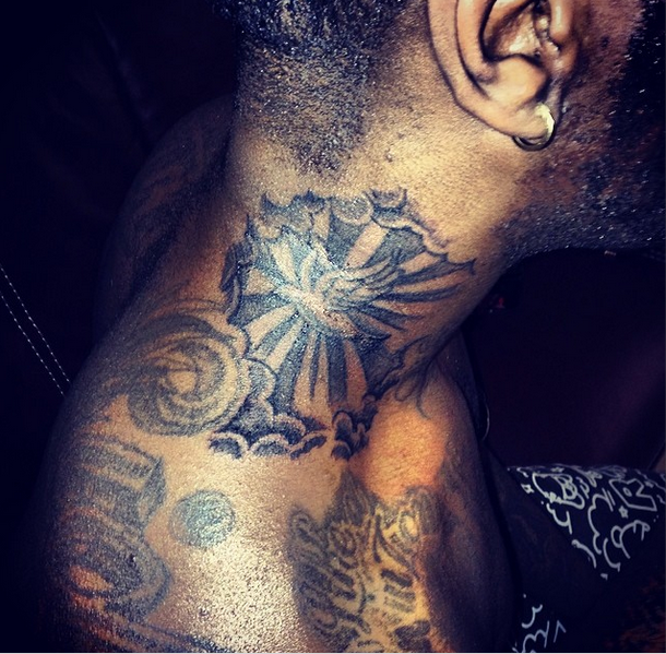 Burna-Boy-Neck-Tattoo