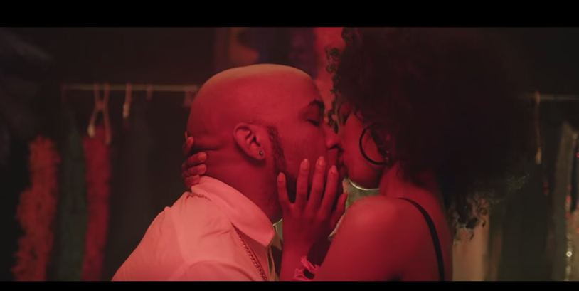 banky-w-high-notes-make-out