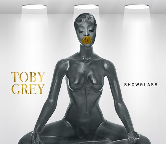 Toby Grey - Show Glass