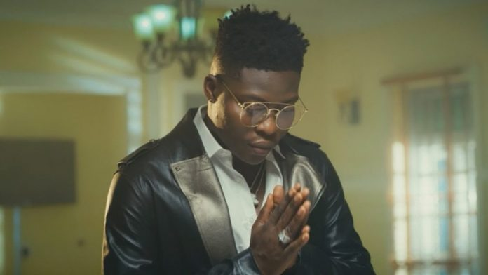 Video: Reekado Banks - blessings on me